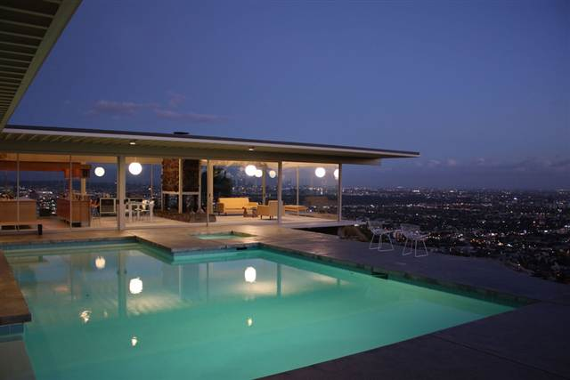 Celebrities for 11821 lark celebrities for Stars houses in la