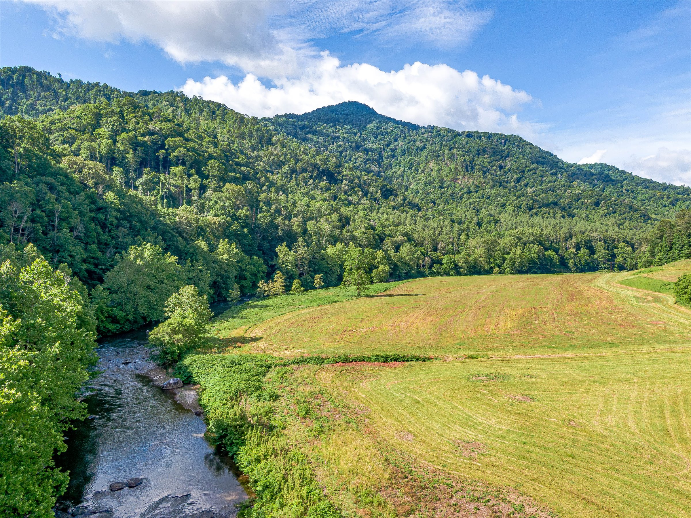 Riversong   404+ Acres With 3+ Miles of River Frontage
