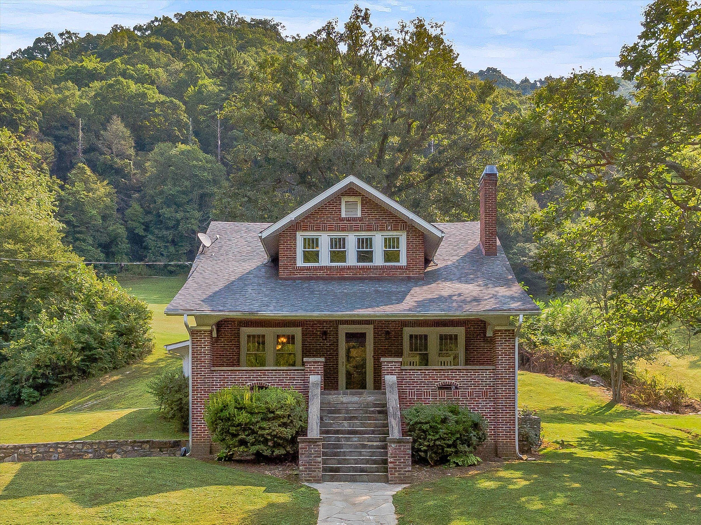 Farmhouse Mars Hill Western North Carolina Farm for Sale