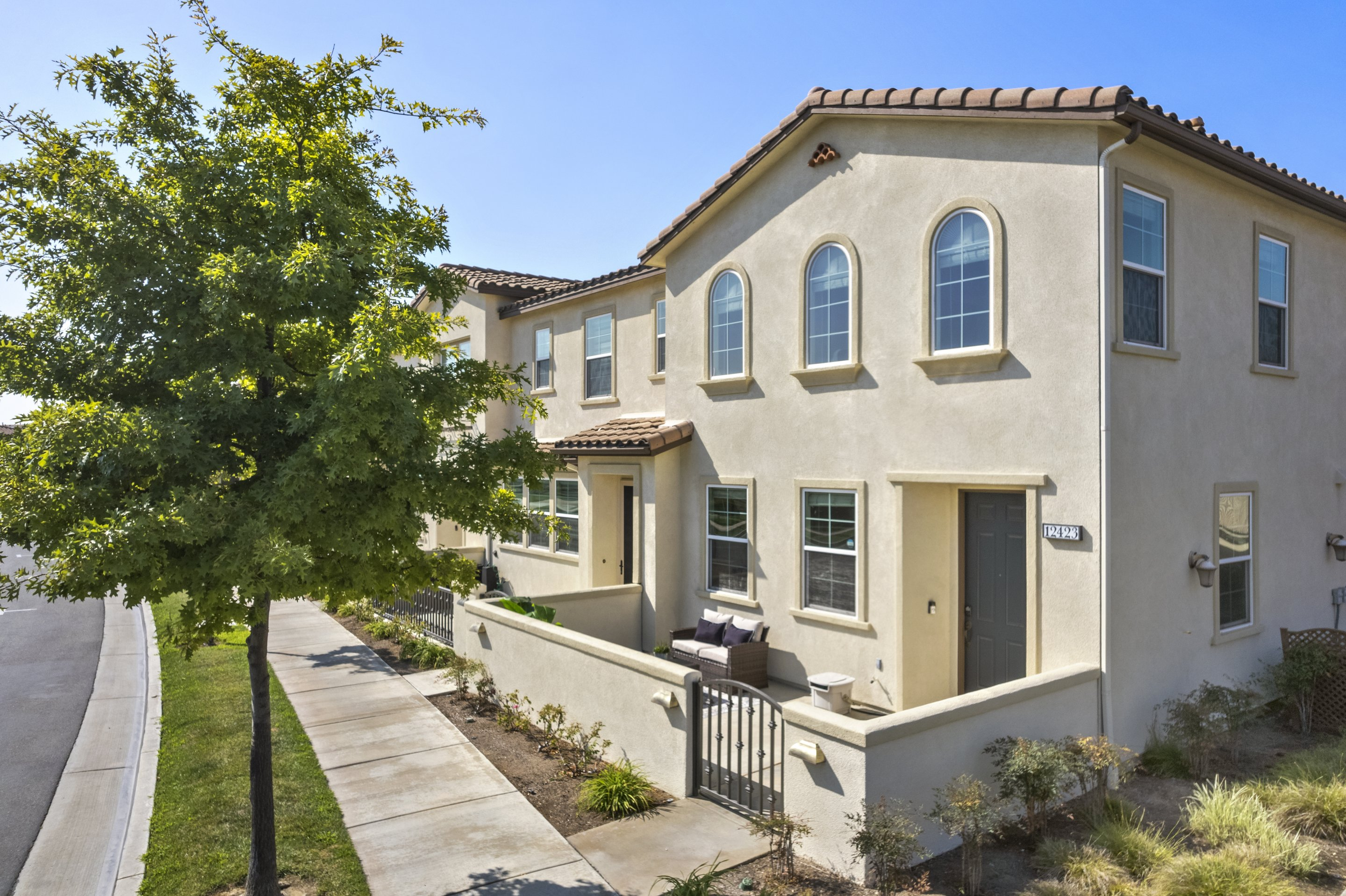 JUST LISTED: 3 Beds + 2.5 Baths + Office Loft Energy-Efficient Living in Santa Fe Springs