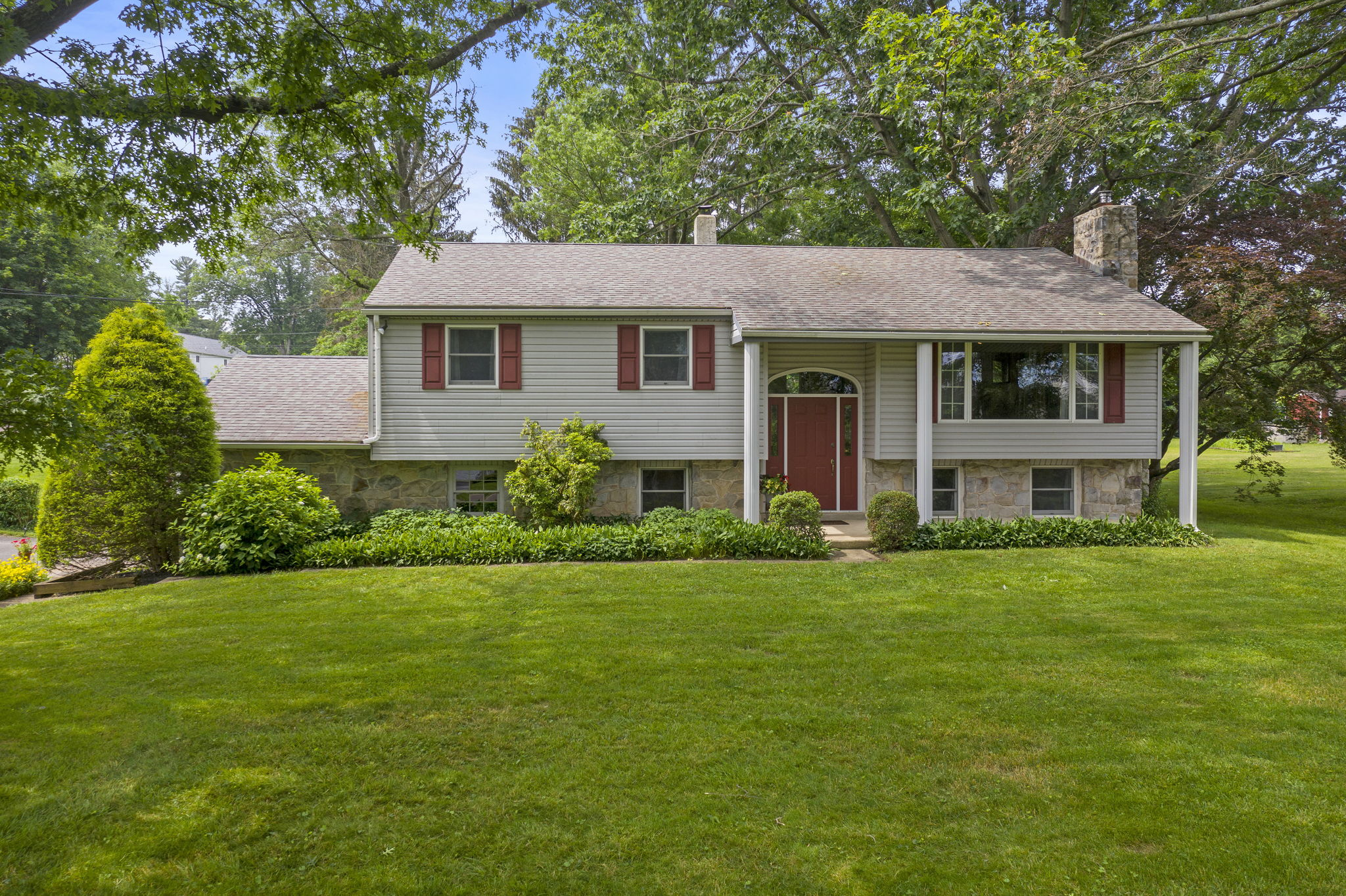 Turnkey & Expanded Home In The Desirable OJR School District