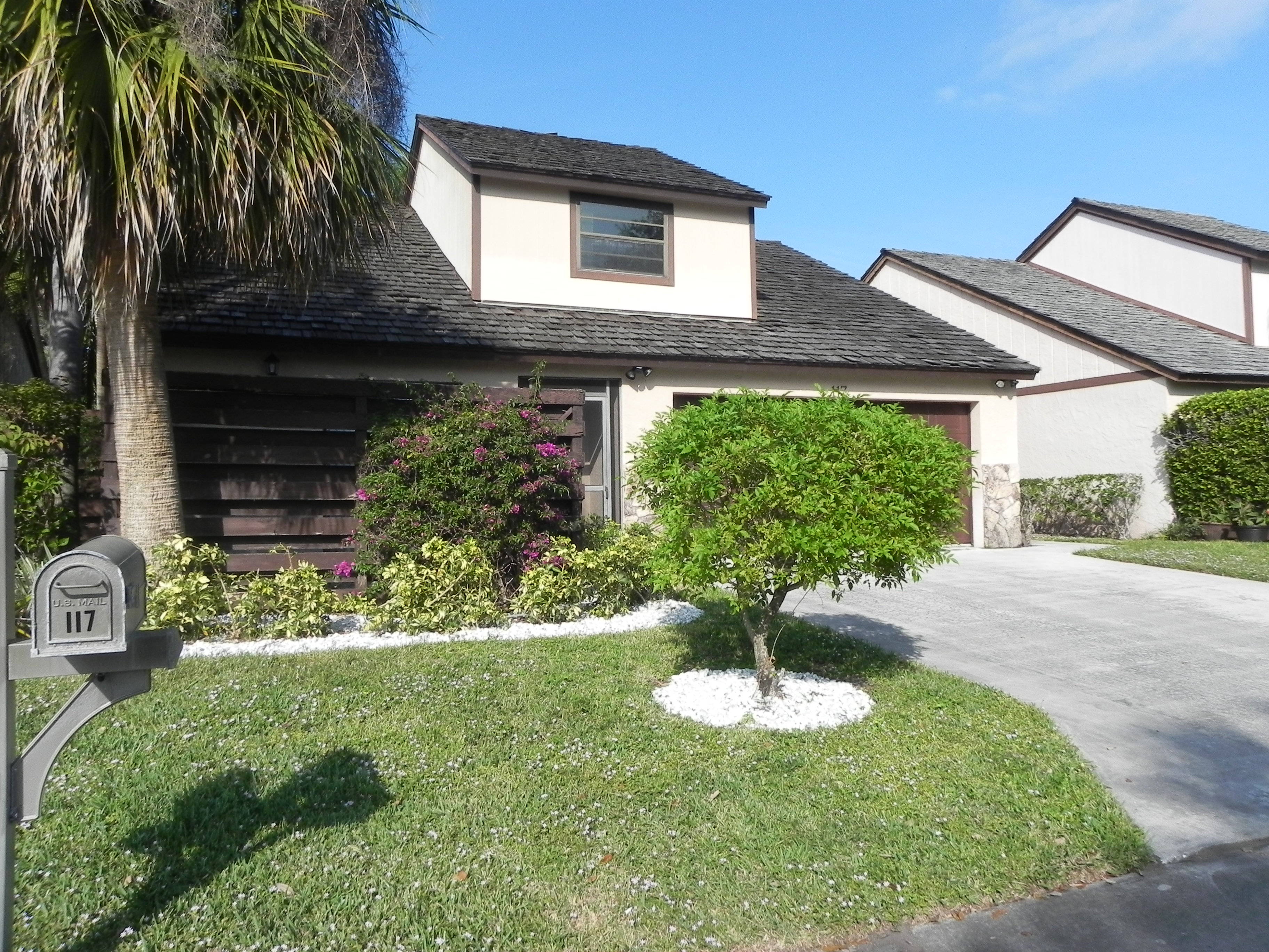 New Listing Single Family Home In Palm Beach Gardens