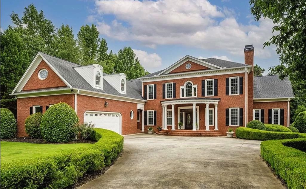 Top 5 luxury homes under $1M in Acworth, GA