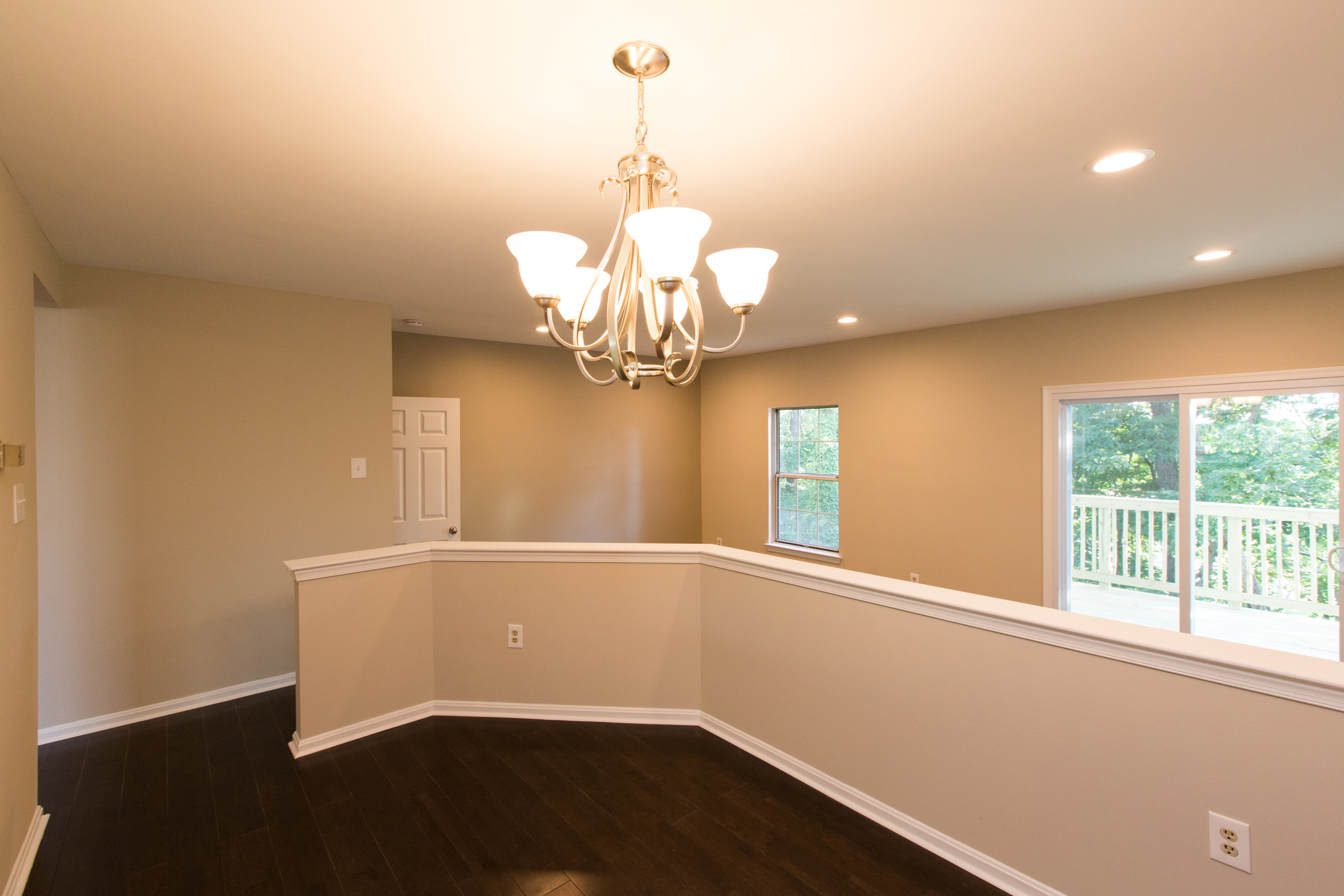 2812 Pin Oak Interior
