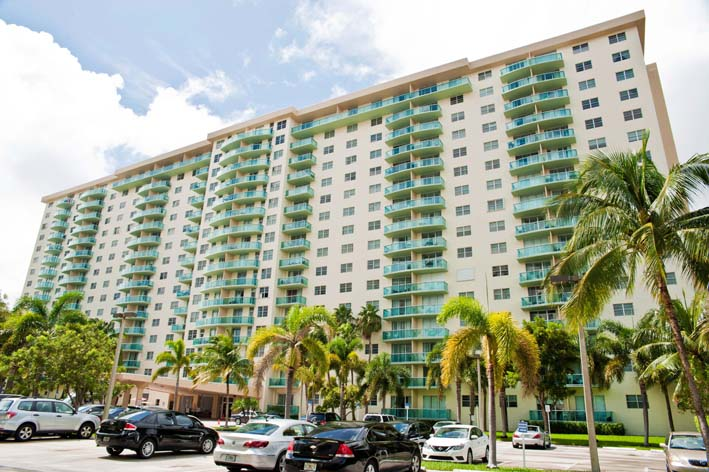 19390 Collins Ave, #608, Sunny Isles, FL 33160