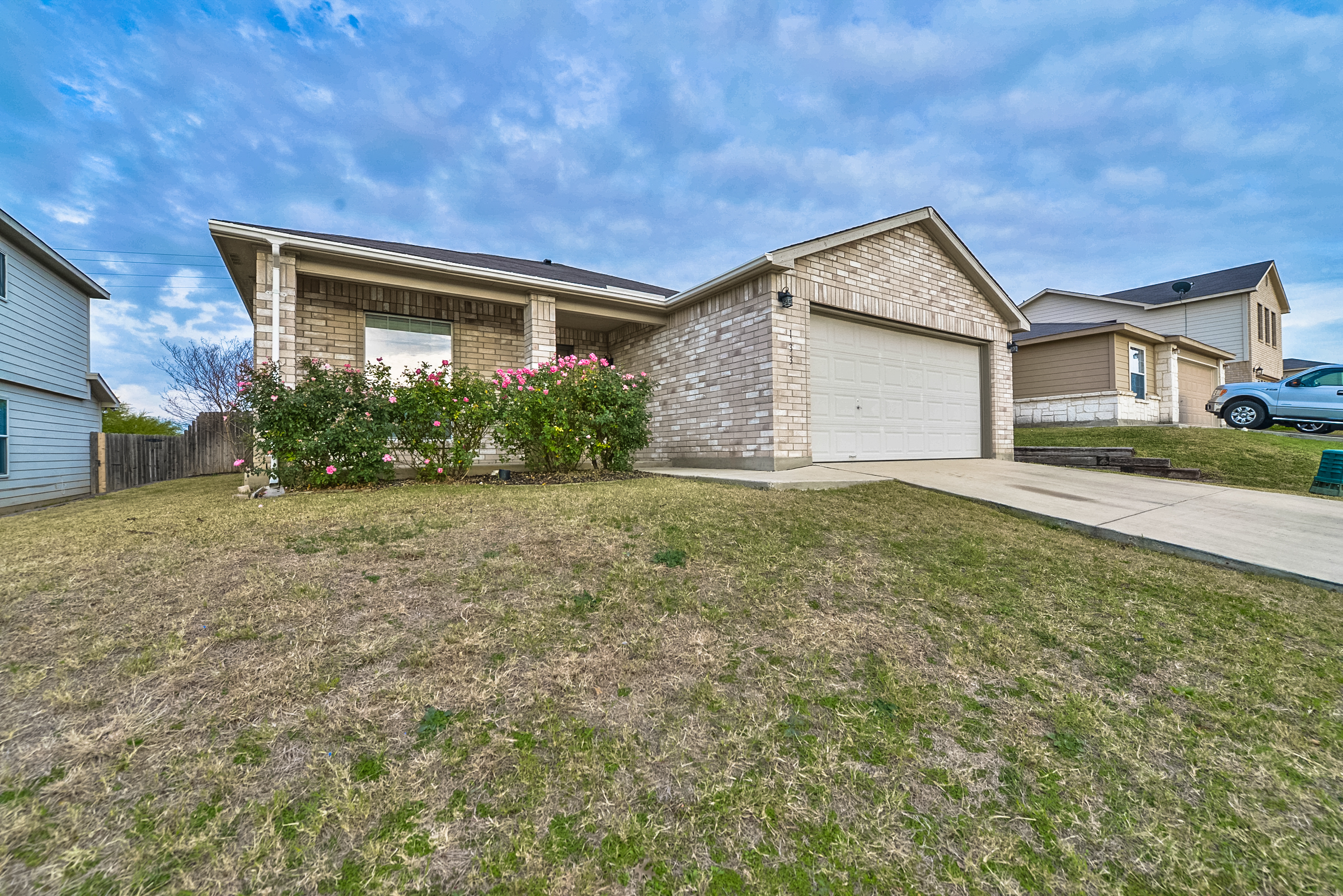 Another Raving Fan: Seller, 133 Blue Willow sold for $152,000!