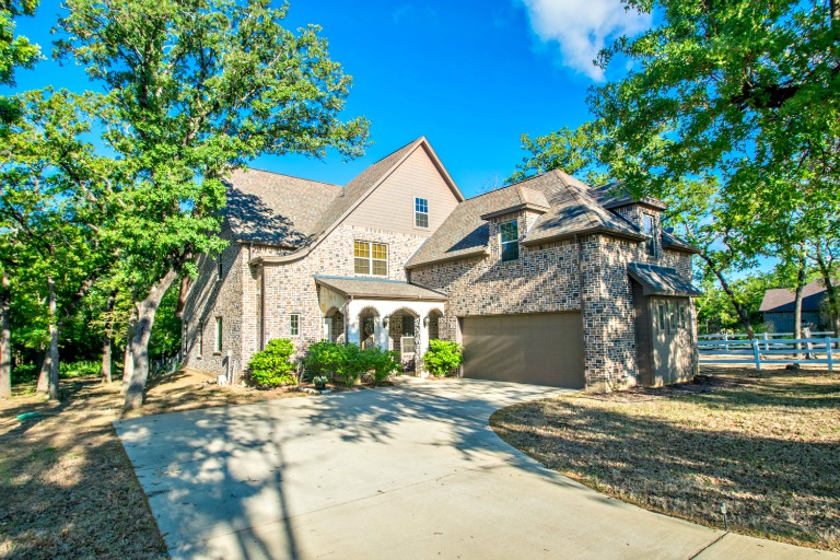 6741 Blackjack Oaks Road, Aubrey, TX 76227
