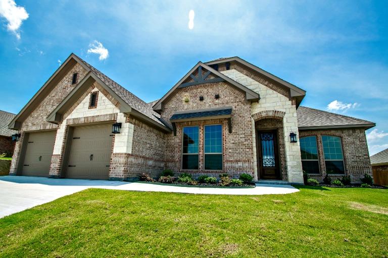 703 La Paloma Road, Sanger, TX, 76266
