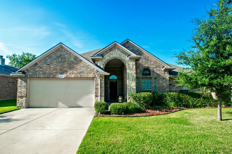 1013 Nora Lane, Denton, TX 76210