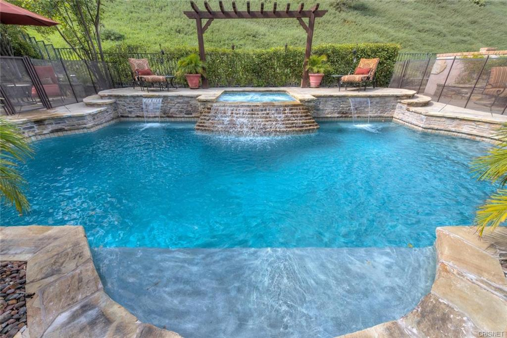 Summer\'s Here: 10 Great Pool Homes and Designs