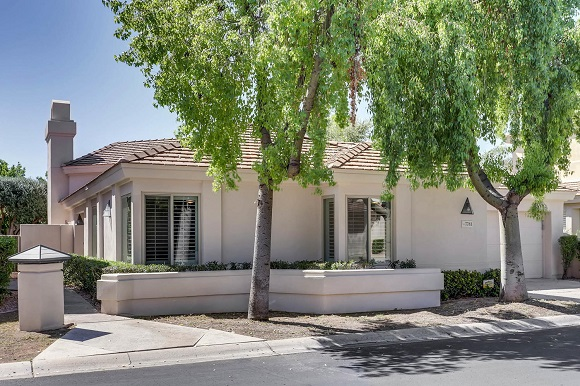 New Superb Listing at the Meridian at McCormick Ranch. 7781 E Foxmore Ln, Scottsdale 85258!