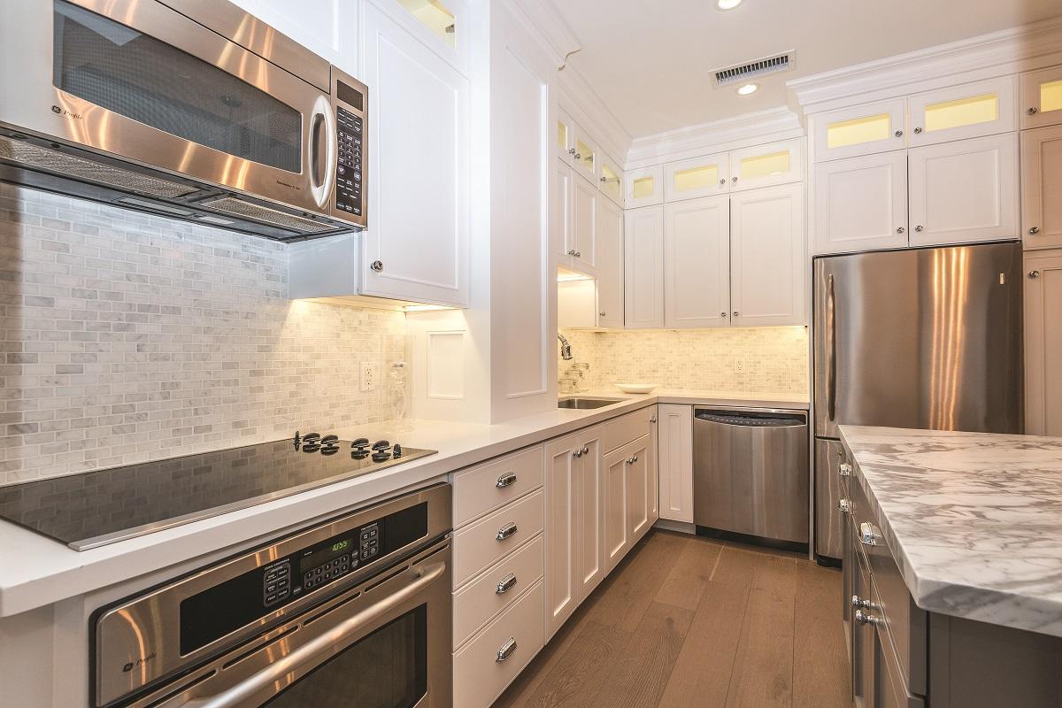 gourmet white kitchen