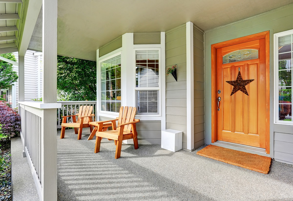 nice front porch with chairs
