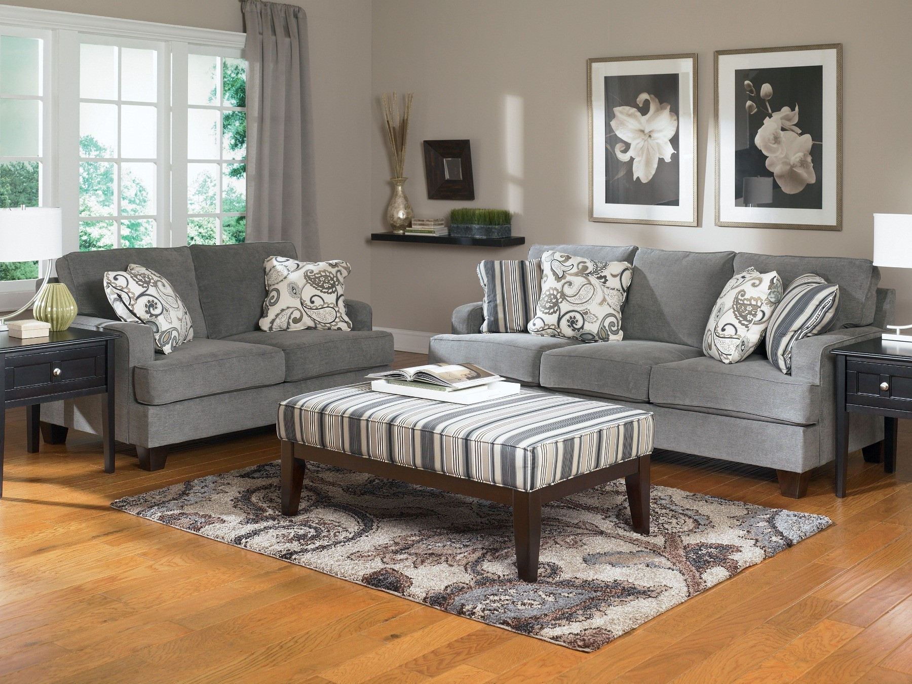 Staging The Living Room For Buyers Can Actually Help Sell Your Home Faster  And It Can Be Very Affordable!