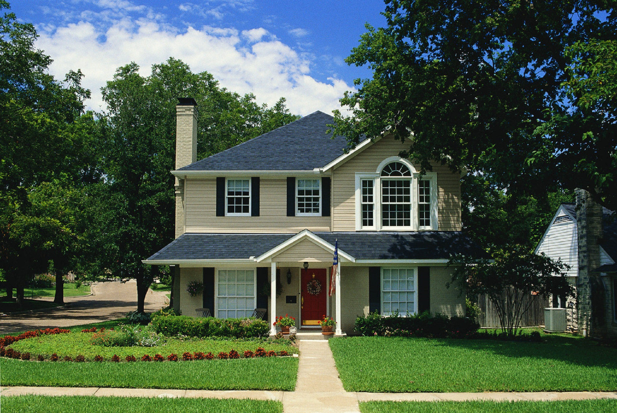Prune, Trim, Pull for Best Curb Appeal