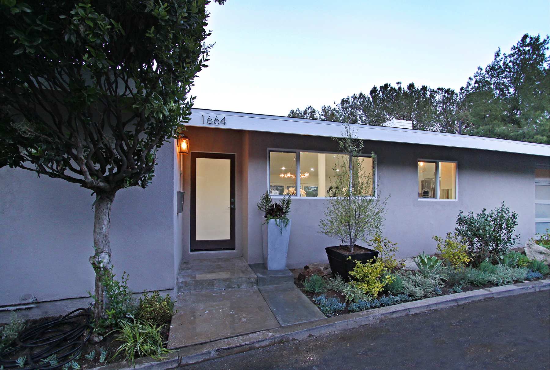 1664 Redesdale Ave, Silverlake 90026
