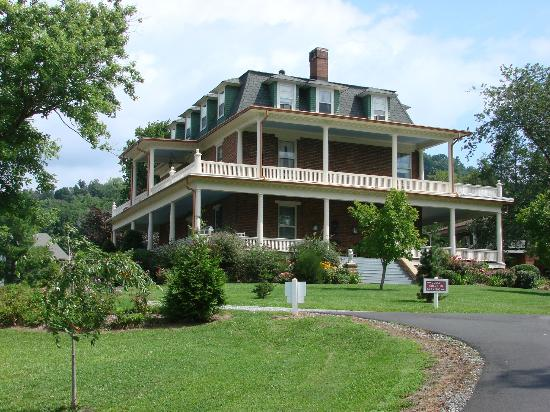 Reynolds Mansion Bed And Breakfast Inn Asheville Nc