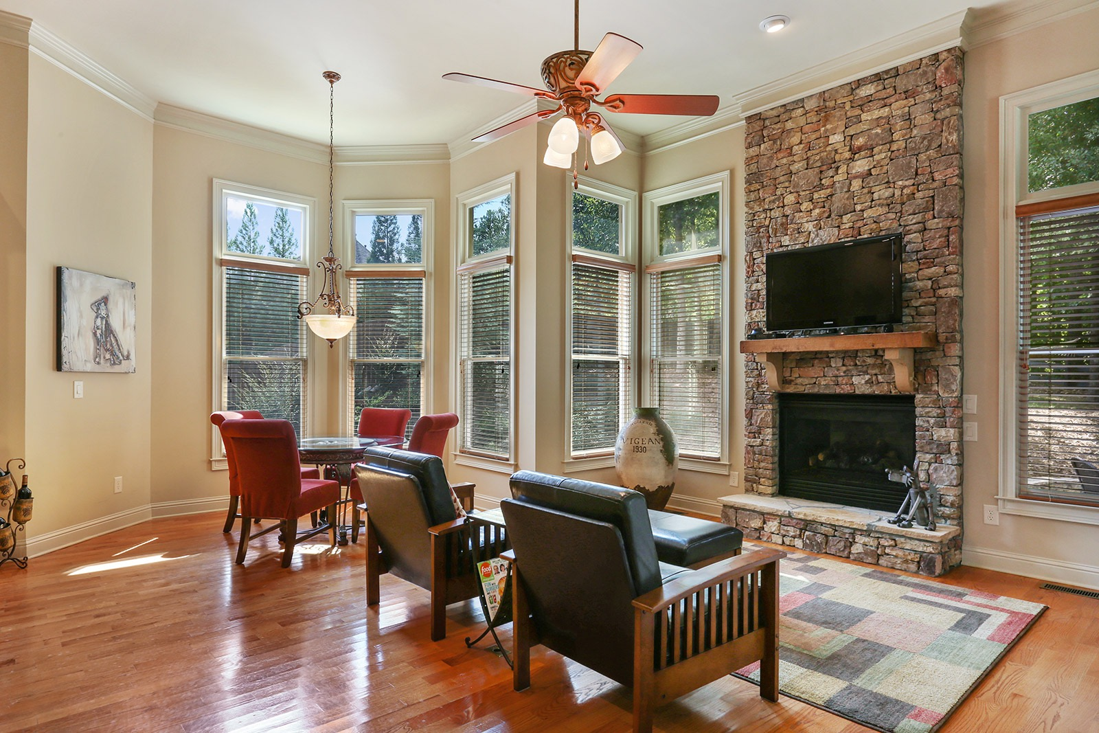 quality craftsman home in woodstock