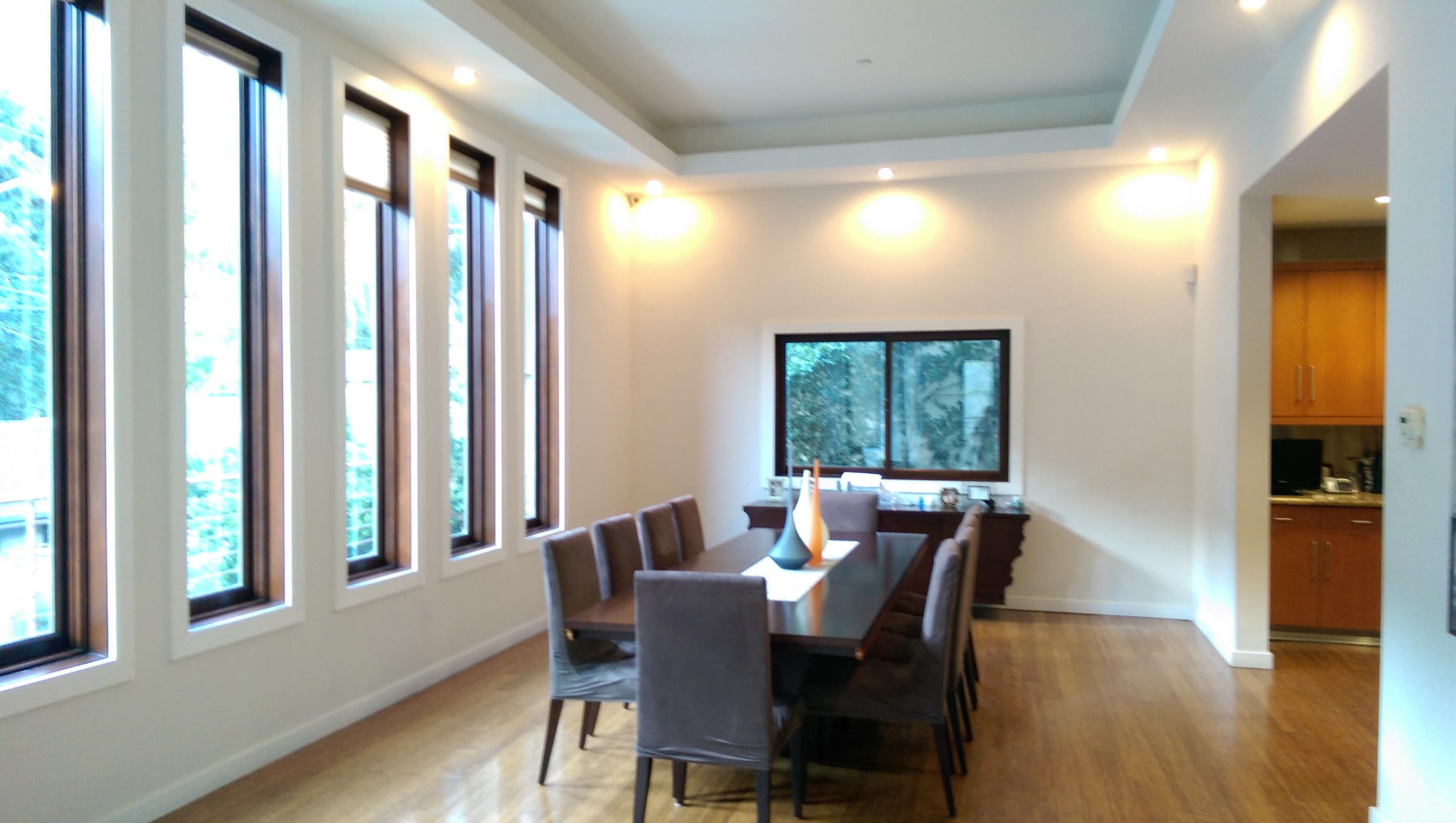 Dining Room, Table, Chair, Hardwood Floors, Bright, High Ceilings, Entertainment