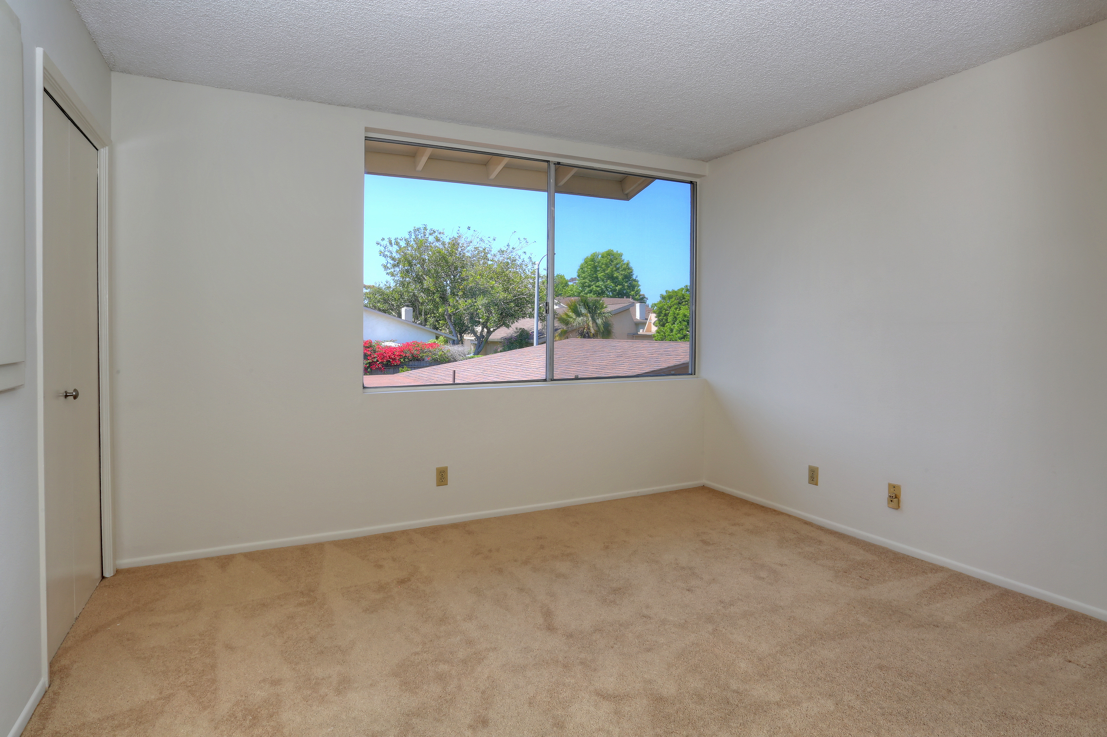 2nd Bedroom 5068 Birchwood