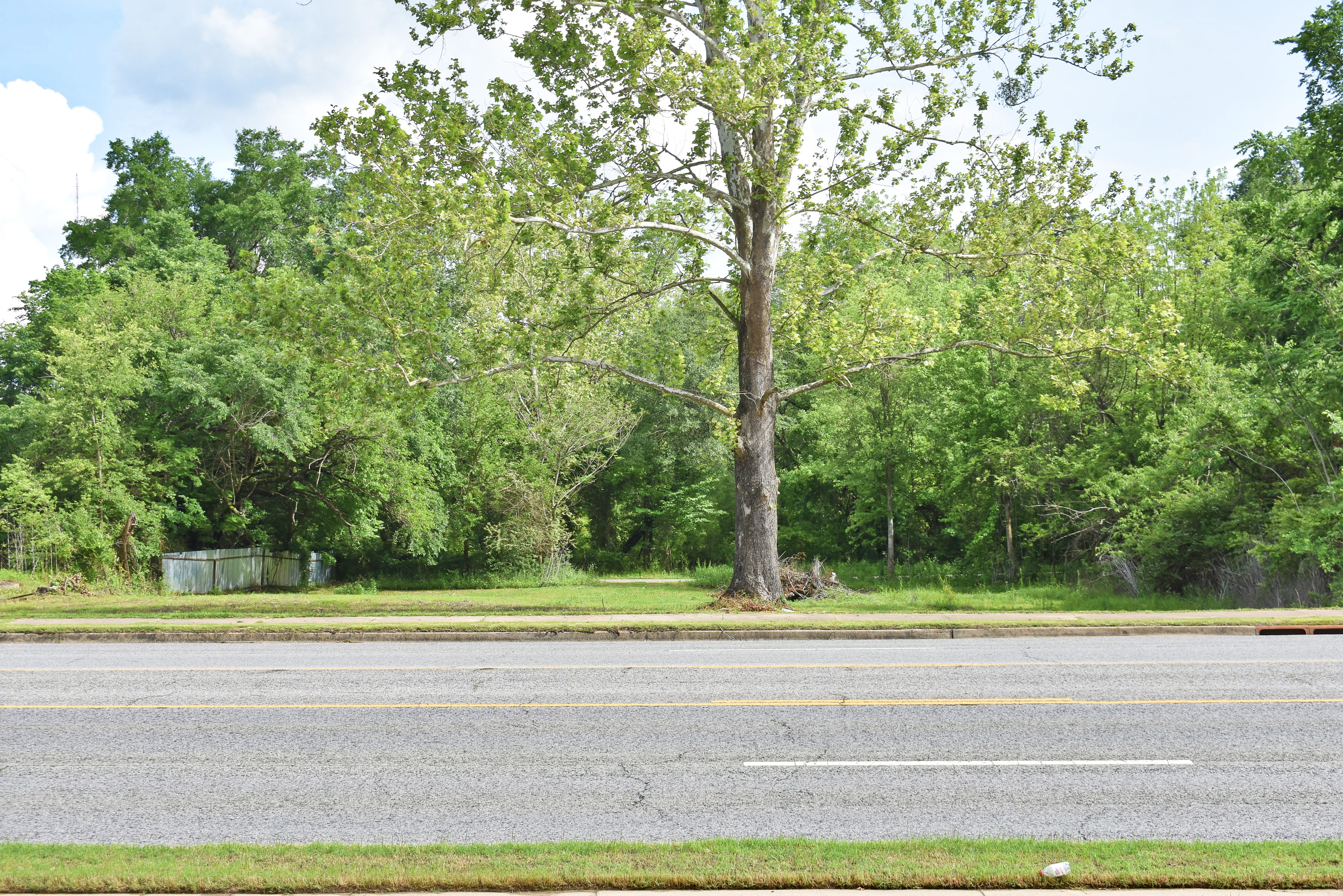 423 W MAIN, ANTLERS – $99,500