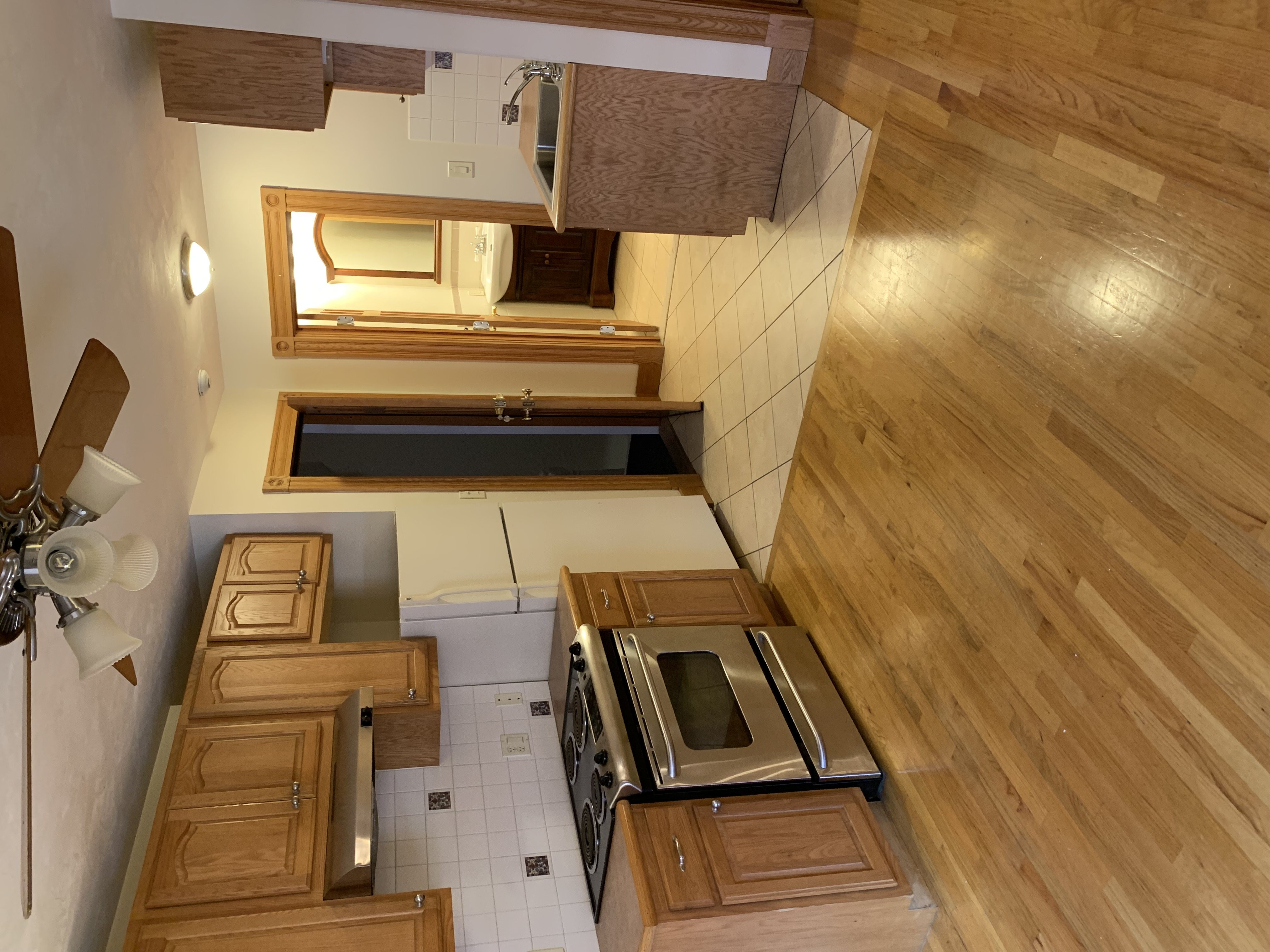 (RENTED) Anderson St 2 Bedroom Apartment! Beacon Hill!