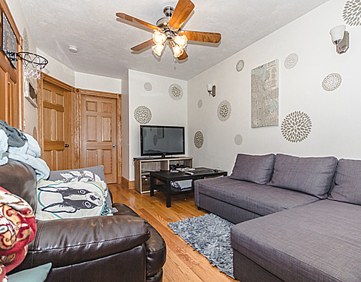 Spacious Phillips St. Three Bedroom! Beacon Hill!