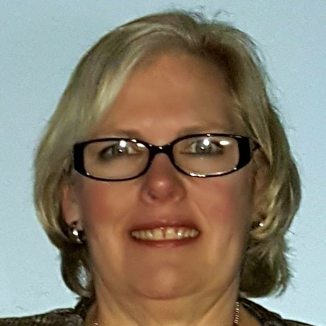 Real Estate Agent Debbie Marshall