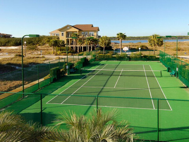 Laguna Key Tennis Court
