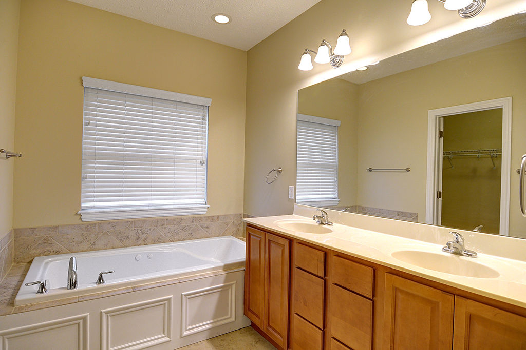 2524 Bexley Hill Pl Bathroom