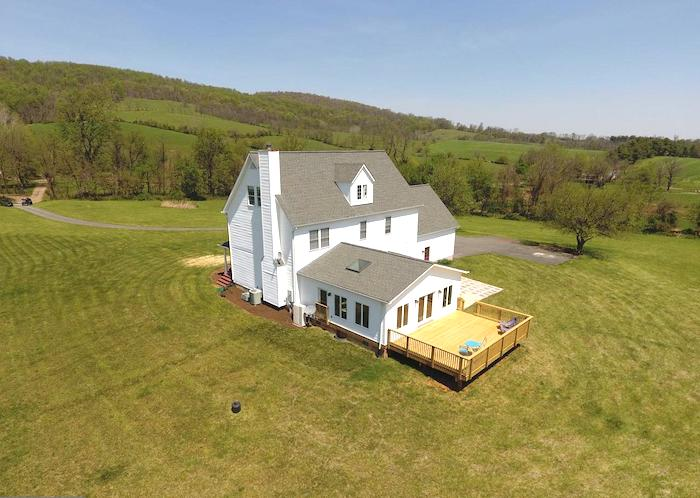 34383 WILLIAMS GAP RD   ROUND HILL 1000666358   $674,900   Listed by Joy Thompson
