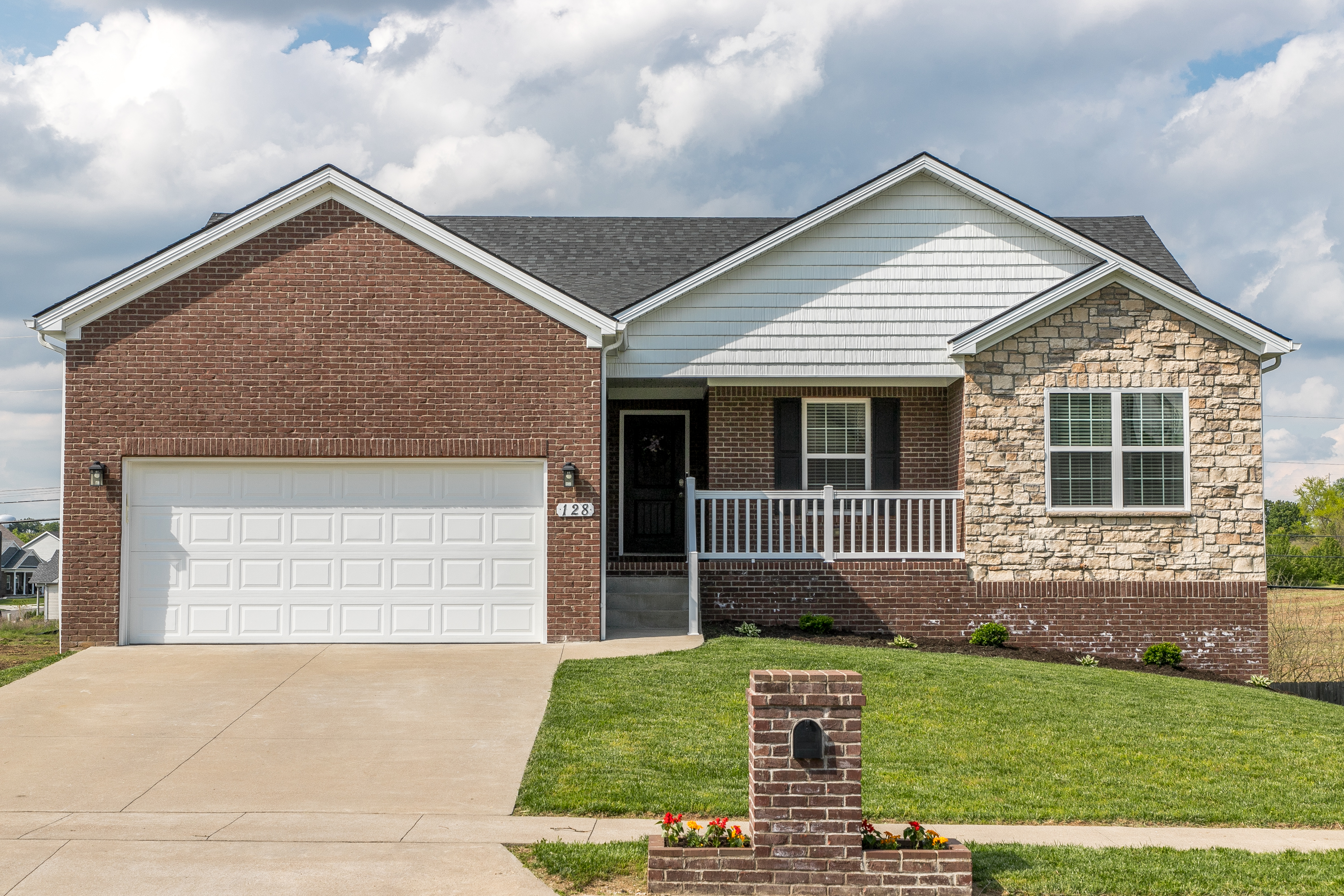 128 Curtis-Ford Trace Nicholasville, KY 40356