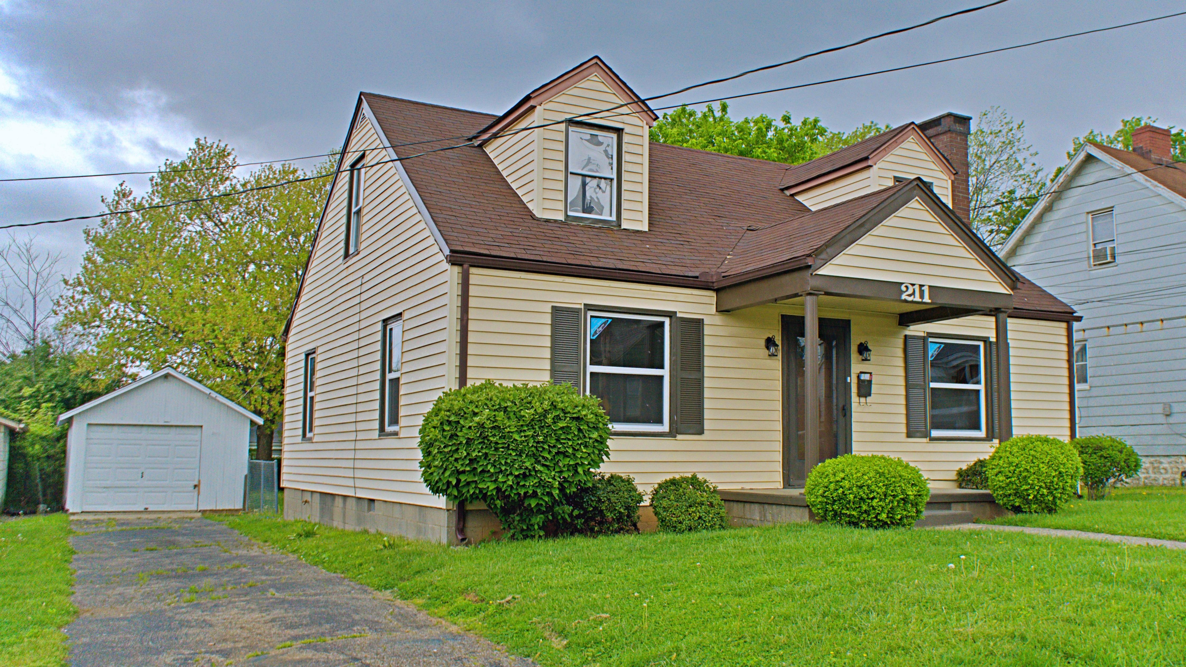 OPEN HOUSE 5/6 5-7PM  |  211 Hillcrest Ave Lexington, KY 40505