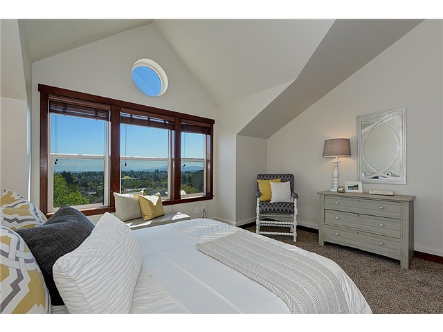 Capitol Hill Townhome with views of Mt. Rainier