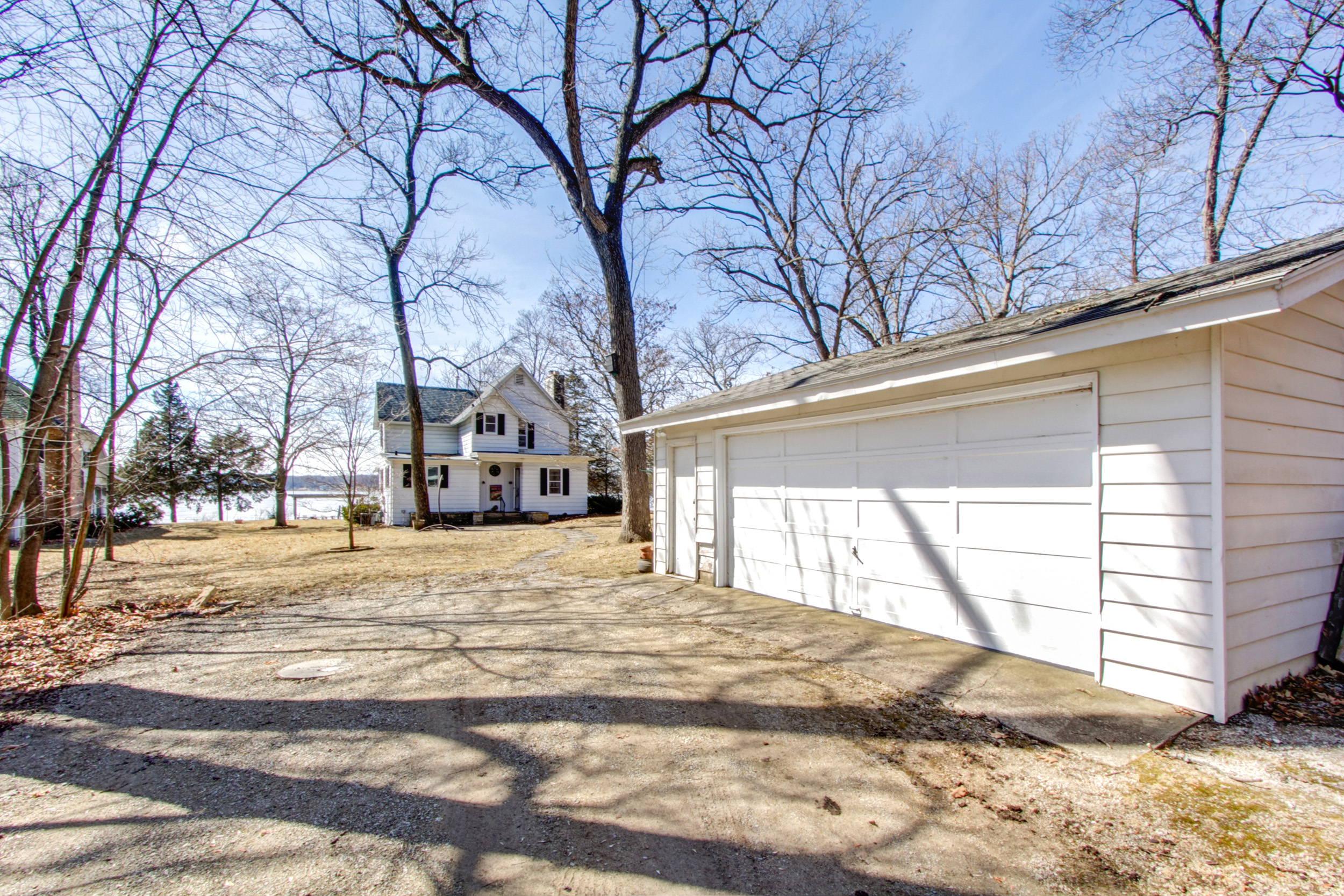 Vintage Cottage On Lauderdale S Green Lake Offered By