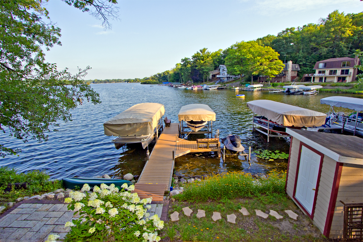 Mill Lake Home With Expansive Lake Views Sells W5493