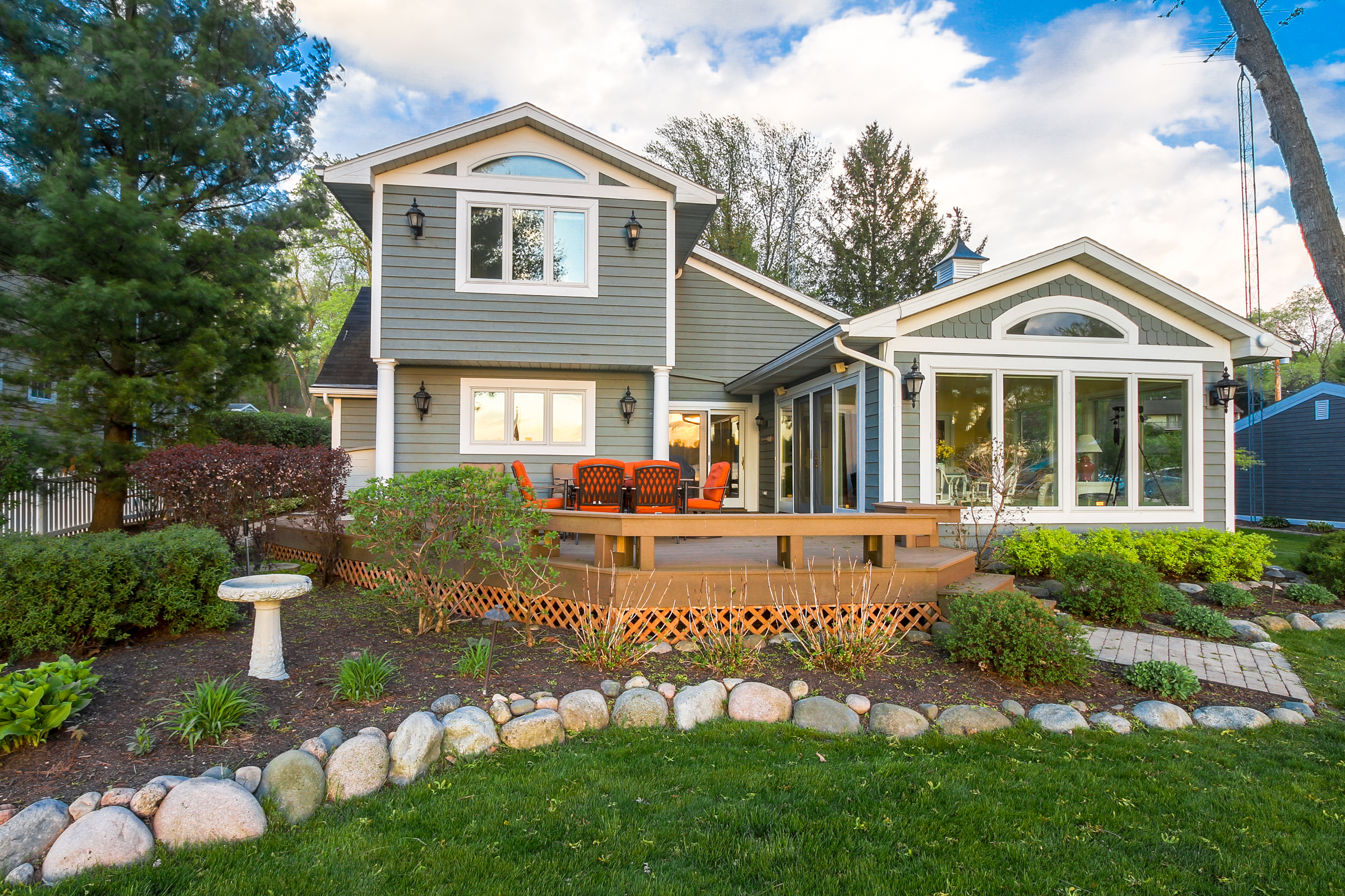 SOLD! Move-In Beautiful 5BR, 3BA Whitewater Lakefront Home   N7645 E Lakeshore Dr, Whitewater WI