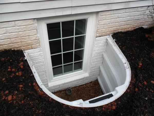 egress window well fairfax