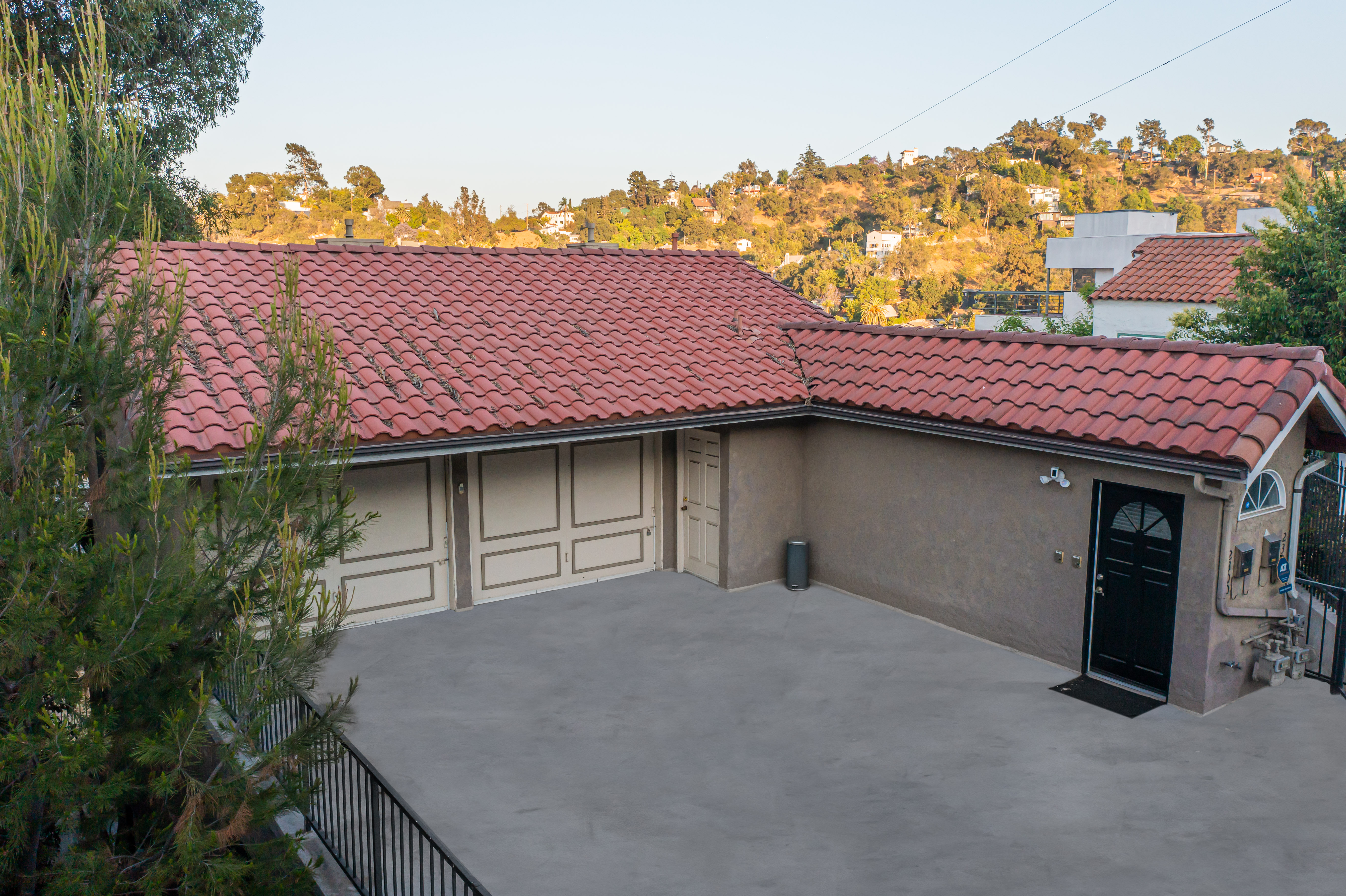 JUST LISTED | Perfect Owner-User Duplex in the Silver Lake Hills