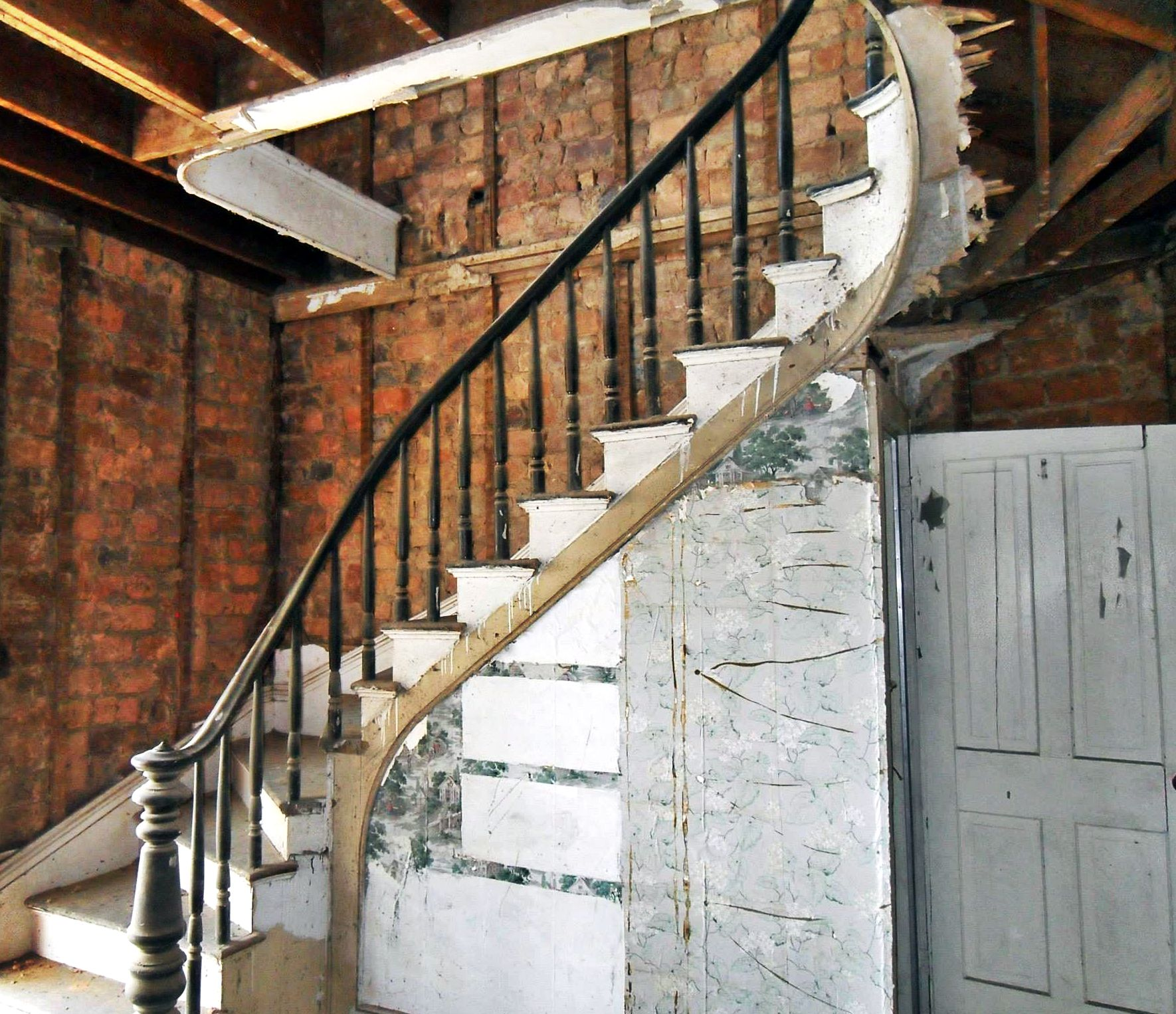 619 frederick st staunton a look back - spiral staircase before restoration
