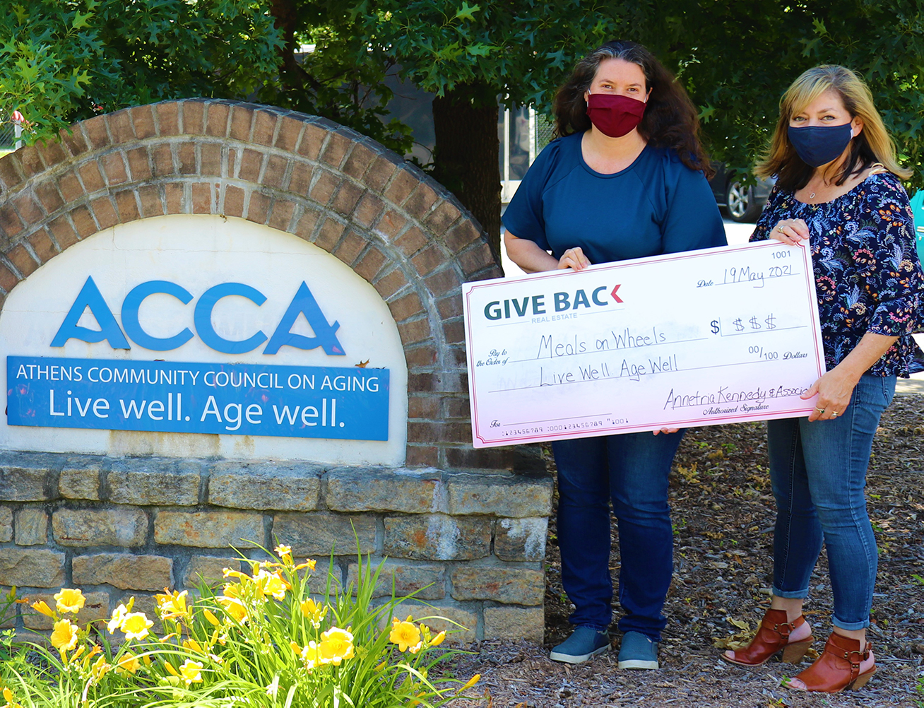 Annie Kennedy GIVES BACK to ACCA Meals on Wheels