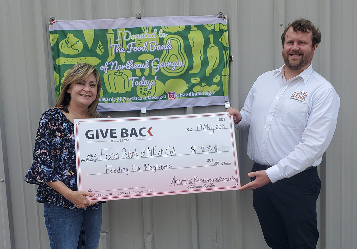 Annie Kennedy GIVES BACK to the Food Bank of Northeast Georgia