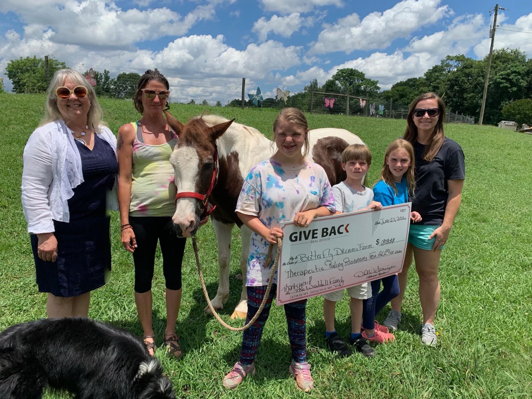 Debbie Grainger GIVES BACK to Butterfly Dreams Farm