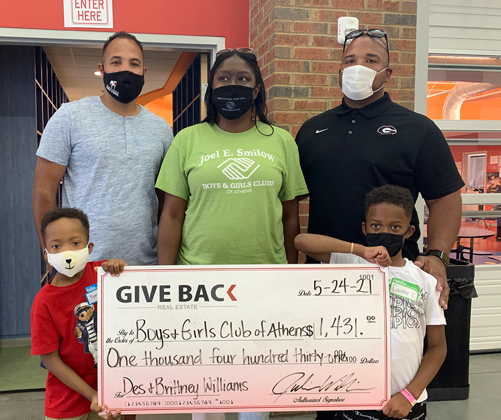 Julian Williams GIVES BACK to the Boys and Girls Club of Athens