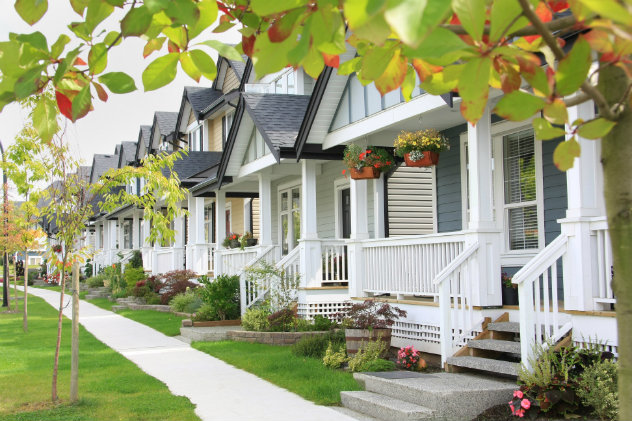 Homes in a beautiful suburb in Spring or Summer time