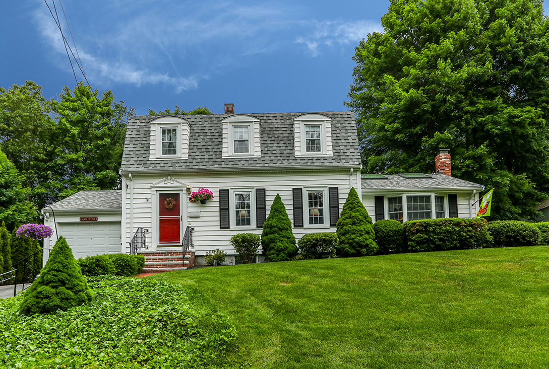 well maintained gambrel style home for sale well maintained gambrel for sale