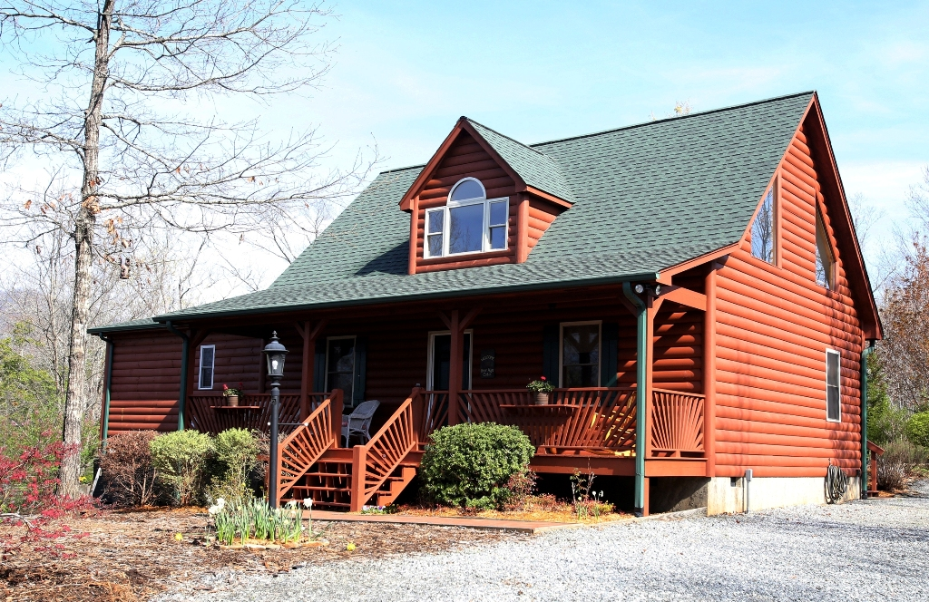 Lake Lure Log Cabin For Sale: 209 Little Bill's Trail