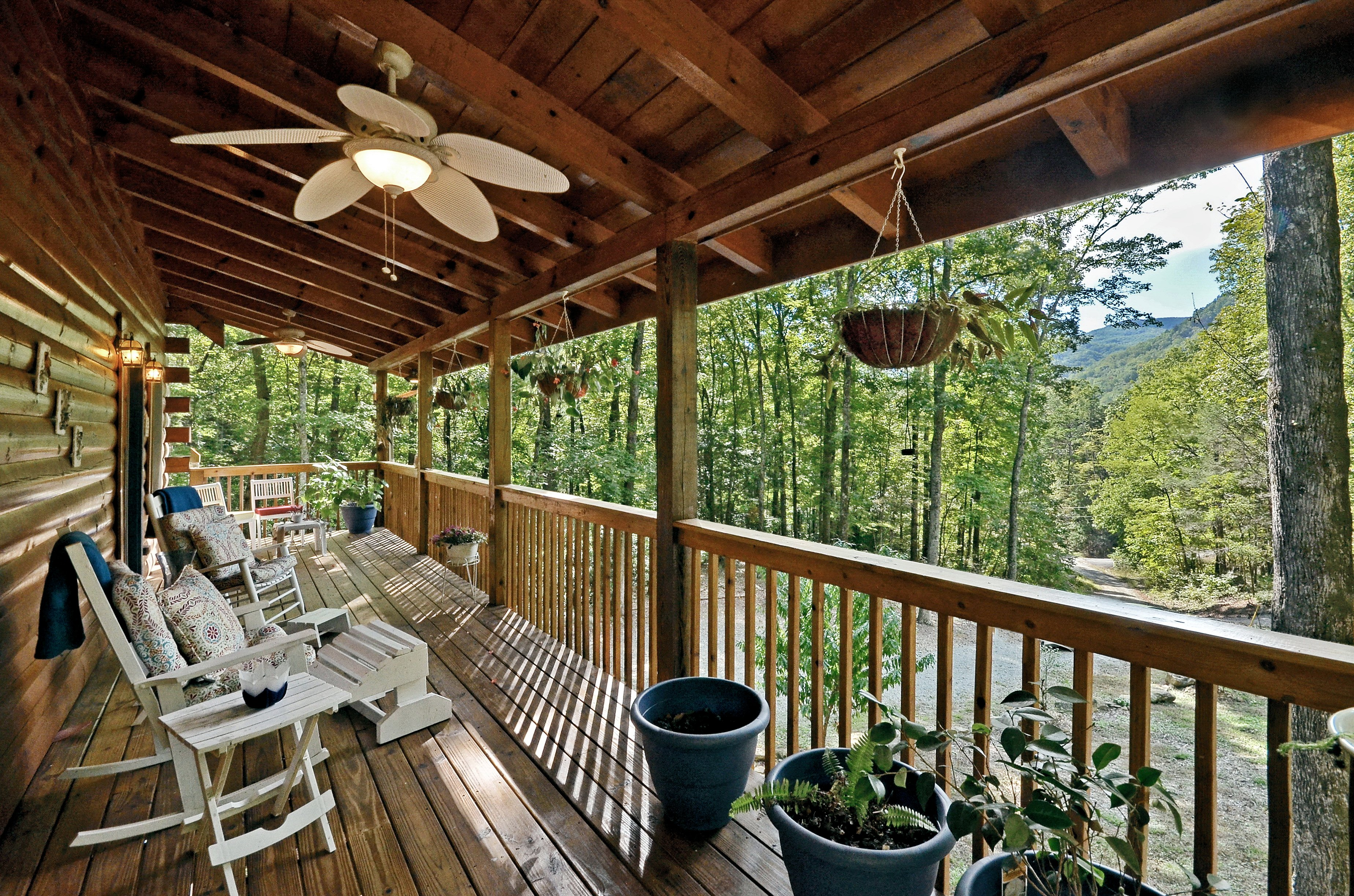 romantic with cabins nc look biltmore treehouse tub springs and near rentals the estate fireplace sale rafting in hot asheville a getaway for reverse cabin