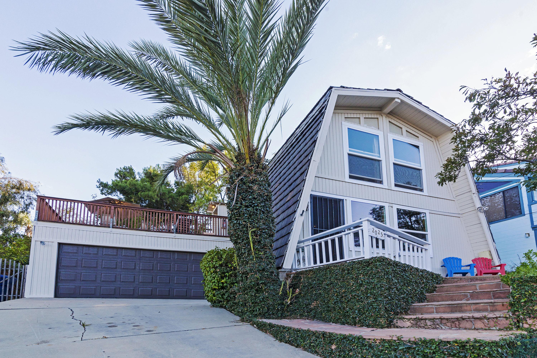 Just Rented!  Malibu Mountain House W/ Views, Balcony, & Yard!