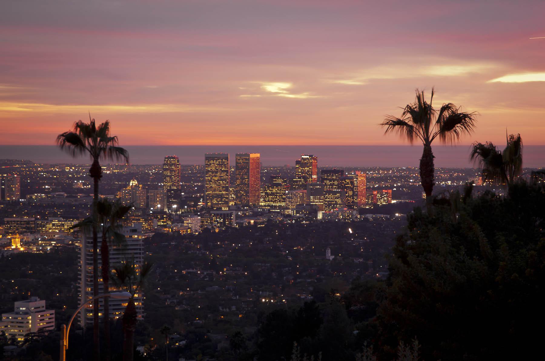 hollywood hills california real estate oren osovski best realtor in hollywood hills. Black Bedroom Furniture Sets. Home Design Ideas